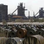 Les salariès d'ArcelorMittal bloquent des voies ferrées à Metz