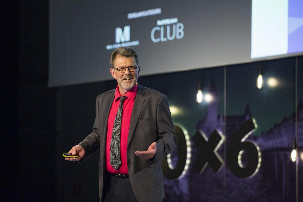 Le directeur pédagogique de l'IEDRS pendant sa présentation au 10x6 RH 2018